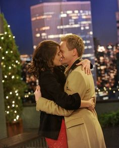If you have yet to watch Monday's How I Met Your Mother, avert your eyes now. Everyone else, you may proceed… Monday night's special holiday episode of How I Met Your Mother gave viewers quite a gift: Barney and Robin got engaged! How I Met Your Mother, Barney And Robin, Robin Scherbatsky, Mother Photos, Ted, Cinema, Tv Couples, Himym, Dead To Me