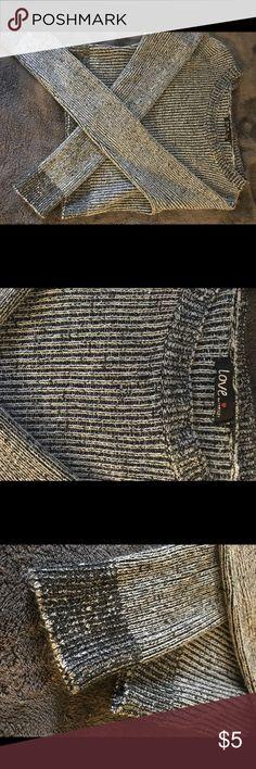Cute Grey crop top sweater! Grey, Worn once, Long sleeve, Crop top, Sweater Sweaters