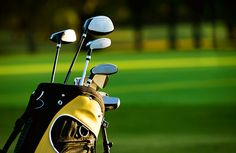 Planning a golf vacation and not sure if you should rent clubs or have your own shipped? Golf club rental is the best option only in certain cases. Junior Golf Clubs, New Golf Clubs, Golf Club Sets, Barbados, Golf Etiquette, Golf Club Grips, Golf Trolley, Golf 7, Golf Putting