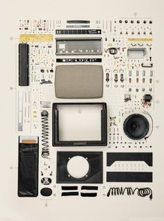 The folks at Popular Mechanics did everyone a favor: they took apart a Fender Princeton Reverb amp so none of us would have to. Then they took a photo of Fender Guitar Amps, Princeton Reverb, Things Organized Neatly, Modern Tech, Take Apart, Popular Mechanics, Gifts For Office, Vintage Guitars, Deconstruction
