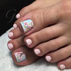 30 New ideas spring pedicure designs cherry blossoms Pedicure Designs, Pedicure Nail Art, Pedicure Ideas, Glitter Pedicure, Bright Summer Nails, Summer Toe Nails, Beach Nails, Bright Nails, Pretty Toe Nails