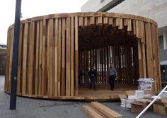 David Adjaye's Pop-Up House Modern Architecture House, Concept Architecture, Interior Architecture, Gaudi, Sheffield, Nova Deli, Bridge Structure, Small Tiny House, Small Buildings