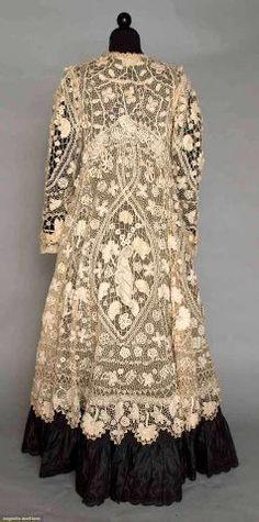 Uno stupendo cappotto irlandese di pizzo ricamato del 1905.  Irish Crochet Lace Coat 1905 Augusta Auctions