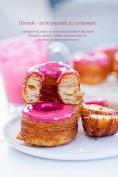 Cronut - croissant czy donut Cronut, Cupcakes, Cupcake Cakes, No Bake Desserts, Delicious Desserts, Polish Recipes, Baked Goods, Sweet Tooth, Cheesecake