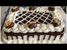 Cake Icing, Buttercream Cake, Eat Cake, Chocolate Birthday Cake Decoration, Chocolate Cake Designs, Rectangle Cake, Cake Decorating Piping, Forest Cake, Classic Cake