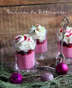 Beet mousse with mascarpone For a simple and sophisticated starter . - food-and-drinks - noel Pizza Twists, Winter Drink, Martini, Tomate Mozzarella, Great Appetizers, Vegetable Drinks, Beets, Panna Cotta, Buffet