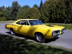 1970 Dodge Charger Superbee   I had the same car, same color, But with a 440.