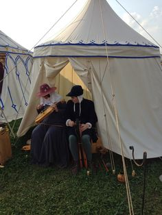 Medieval round tent - from a VERY rich blog for medieval reenactors:  http://willscommonplacebook.blogspot.com/search/label/Tents
