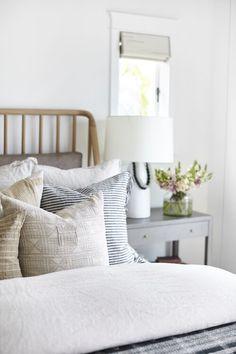 Master Bedroom Design, Home Bedroom, Bedroom Decor, Living Room Remodel, Living Room Decor, Decoration Ikea, Decor Inspiration, Beige Pillows, Home Decor Kitchen