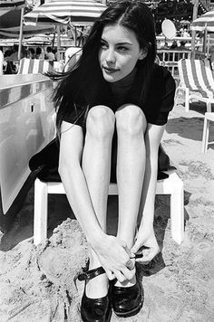 Liv Tyler in mary janes on the beach