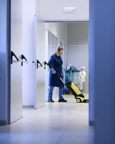 COMMERICAL CLEANING:  Trash removal Vacuuming Sweeping/mopping Kitchen or break room cleaning Dusting (desks,blinds,display areas) Restroom cleaning Lobby/waiting room Furniture polishing