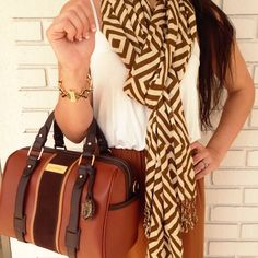 We love Spartina! Shop a wide selection of patterns and bags at Blue Abaco! Visit us at www.facebook.com/blueabaco or give us a call at 850-422-1857 for a phone order!