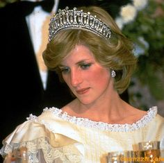 Princess Diana (Cambridge Lover's Knot tiara)