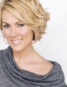 Short Wavy Haircuts for Women: Hairstyles with Bangs
