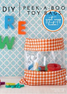 DIY Peek-a-Boo Toy bags - complete step by step! Diy Sewing Projects, Sewing Crafts, Sewing Ideas, Fabric Crafts, Craft Projects, Craft Ideas, Diy Bags Tutorial, Bag Tutorials, Craft Tutorials