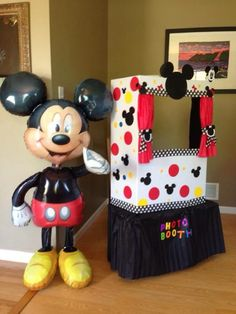 Best birthday party first mickey mouse clubhouse Ideas 2 Birthday, Mickey 1st Birthdays, Mickey Mouse First Birthday, Mickey Mouse Clubhouse Birthday Party, 2nd Birthday Parties, Birthday Ideas, Theme Mickey, Fiesta Mickey Mouse, Mickey Mouse Parties