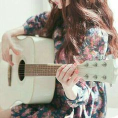Image about photography in gitar by Fatma on We Heart It Girls Dp Stylish, Stylish Girl Images, Guitar Photography, Girl Photography Poses, Dp Photos, Girl Photos, Pics For Fb, Dps For Girls, Profile Picture For Girls