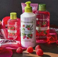 Lampone e menta piperita Himbeere und Pfefferminze Lotion, House Of Beauty, Beauty Make Up, Perfume, Bath And Body Works, Nail Care, Body Care, Peppermint, Raspberry