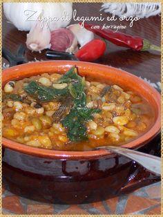 Zuppa di legumi ed orzo con borragine (Legumes and barley soup with borage)