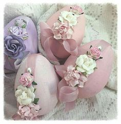 - Cottage Chic 3 Paper Mâché Easter Pink EGGS Bowl Fillers Roses ECS schteam … Saved from hadibe.online - Wendy Schultz - Beyond the Page. Easter Egg Crafts, Easter Projects, Easter Eggs, Easter Decor, Easter Egg Designs, Easter Season, Egg Art, Egg Decorating, Easter Wreaths
