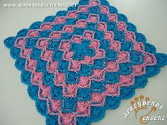 Toalhinha de Crochê Baviera - Receita de Croche com o Passo a Passo no Link http://www.aprendendocroche.com/receitas-de-croche/video-aula.asp?resid=1092&tree=11