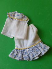 SINDY 1983 Casuals Skirt + Top - vintage dolls clothes - good postage discounts