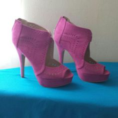 heels gently used pink heels worn once Shoes Heels