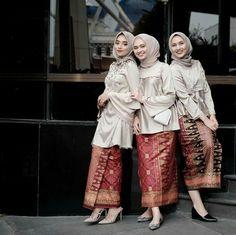 36 Ideas Dress Hijab Casual Shoes For 2019 Kebaya Muslim, Kebaya Modern Hijab, Kebaya Hijab, Kebaya Dress, Batik Kebaya, Muslim Dress, Batik Dress, Hijab Dress, Batik Fashion
