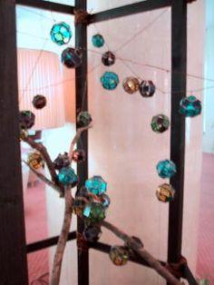 【平安からの光陰 2000-2001】  京都グランドプリンスホテル中庭に  ガラスオブジェを演出  [2000-2001 that an arrow of the light came from the Heian era]  In Kyoto grand Prince Hotel courtyard  I directed a glass art object.