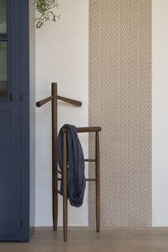 Mori clothes valet stand