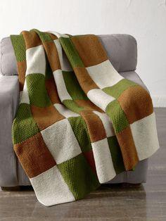 Morris Park Blanket in Lion Brand Wool-Ease - Free - Knitting patterns, knitting designs, knitting for beginners. Loom Knitting, Knitting Patterns Free, Free Knitting, Baby Knitting, Knitting Needles, Afghan Patterns, Lion Brand Wool Ease, Lion Brand Yarn, Knitted Bags