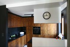 http://www.dobrzemieszkaj.pl/kuchnia_i_jadalnia/podlogi_i_sciany/107/co_polozyc_miedzy_szafkami_w_kuchni_praktyczne_rozwiazania,100867-110558.html