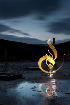 Reflexion - Abstract calligraphy Cuckney - United Kingdom - 2011 Photography by David Gallard