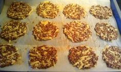 Flax seed crackers - my bread substitute fettich. - Flax seed crackers – my bread substitute fettich. Low Carb Lunch, Low Carb Keto, Low Carb Recipes, Protein Snacks, Healthy Snacks, Low Carb Crackers, Bread Substitute, Breakfast For Dinner, Food And Drink
