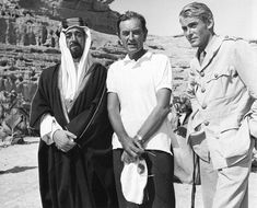 "Alec Guinness, David Lean, Peter O'Toole, on the set of ""Lawrence of Arabia. Peter O'toole, Terry Thomas, Alec Guinness, Lawrence Of Arabia, Top Film, Cinema, Laurence, We Movie, Classic Movies"