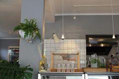Superette Restaurant, Cape Town  (via Itswhatiminto.com)