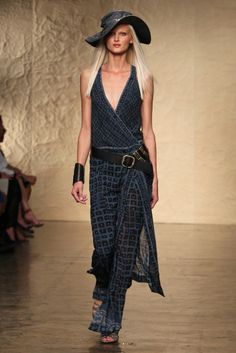 Donna Karan RTW Spring 2014 - Slideshow - Runway, Fashion Week, Reviews and Slideshows - WWD.com