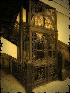 Cage elevator | Old fashioned elevators | Pinterest | Elevator www.pinterest.com480 × 640Buscar por imágenes Cage elevator: Elevador Terranova, Elevator Design, Elevator Opert, Stairs, Elevator Ideas