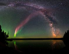 Steve is an aurora that can be seen on the left of this image here. The rest of the milky way can also be seen in the crystal clear skies above Canada. Steve was unclassified by experts and bemused scientists for two years Cosmos, Aurora Borealis, Aurora Name, Amazing Spaces, Natural Phenomena, Milky Way, Science And Nature, Stargazing, Night Skies