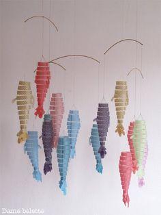 Quelques poissons voleront désormais à l'atelier de la sorcière verte . Ils seront disponible à la vente dans cette jolie boutique de Lille... Fish Crafts, Tape Crafts, Diy And Crafts, Mobiles, Vinyl Paper, Paper Art, Jungle Decorations, Origami, Handpoked Tattoo