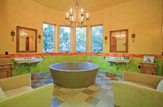Homes with incredible showers and bathtubs