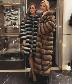 "183 Likes, 17 Comments - Lisa (@sable_in_action) on Instagram: ""Chinchilla meets Sable - who wins ✔✔ #fur #furcoat #realfur #sable #sobol #fourure #pels #mex…"""