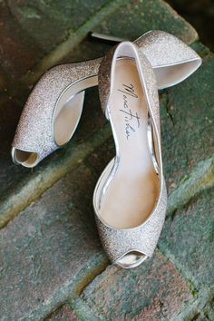 We LOVE glittery heels, especially these @marcfisher #bridal shoes! {Riverland Studios}