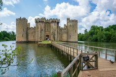 A century medieval castle in East Sussex. - National Trust Wallpaper by National Trust Bodiam Castle, Youtube Images, Medieval Castle, National Trust, East Sussex, 14th Century, Tower Bridge, Wallpaper, Travel