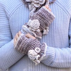 Floral Rose fingerless gloves, hand warmers - Beige Ivory - hand painted merino wool