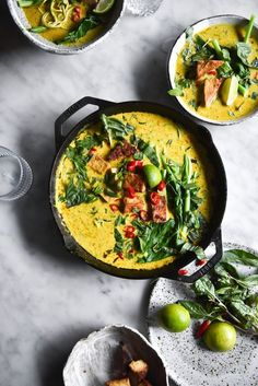 FODMAP friendly vegan laksa with zucchini noodles and salt and pepper tofu puffs - Georgeats Healthy Recipes Healthy Diet Recipes, Vegetarian Recipes, Healthy Eating, Breakfast Healthy, Dinner Healthy, Clean Eating, Healthy Food, Asian Recipes, Ethnic Recipes