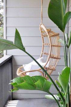Adorable Rattan Hanging Chair Design Ideas - Home Design - lmolnar - Best Design and Decoration You Need Apartment Balcony Garden, Apartment Balconies, Unique Furniture, Furniture Decor, Furniture Design, Relax, Bedroom Layouts, Eames Chairs, Swinging Chair