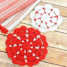Brighten up your kitchen with these fun pot holder patterns!