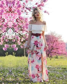 @papayafashion me deixando gata romântica em plena segundona ❤️ Amo ombro a ombro, amo estampa floral, amo vestido longo. Que combo perfeito, SEEEEM OOOOR!