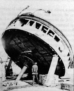 Torre del Huáscar desmontada para hacer reparaciones y cambiar los cañones originales por otros más modernos de Retrocarga, esto, después del Combate de Angamos